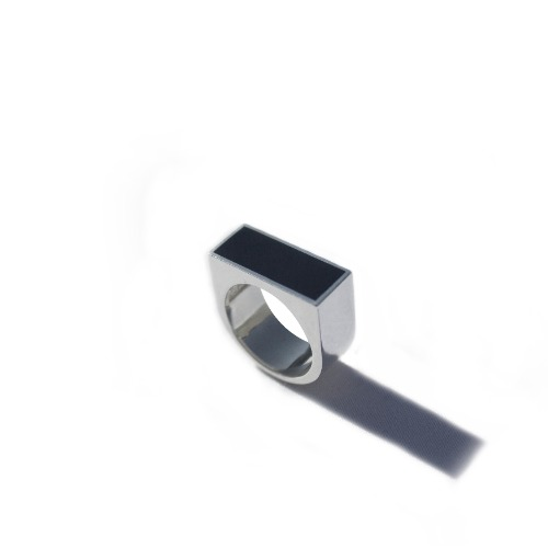A001 onyx square ring